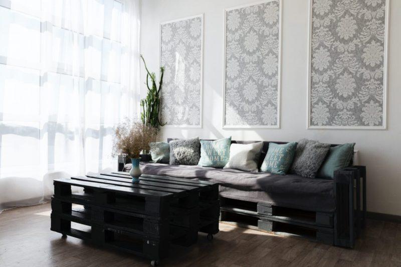 fekete raklapbútor nappali